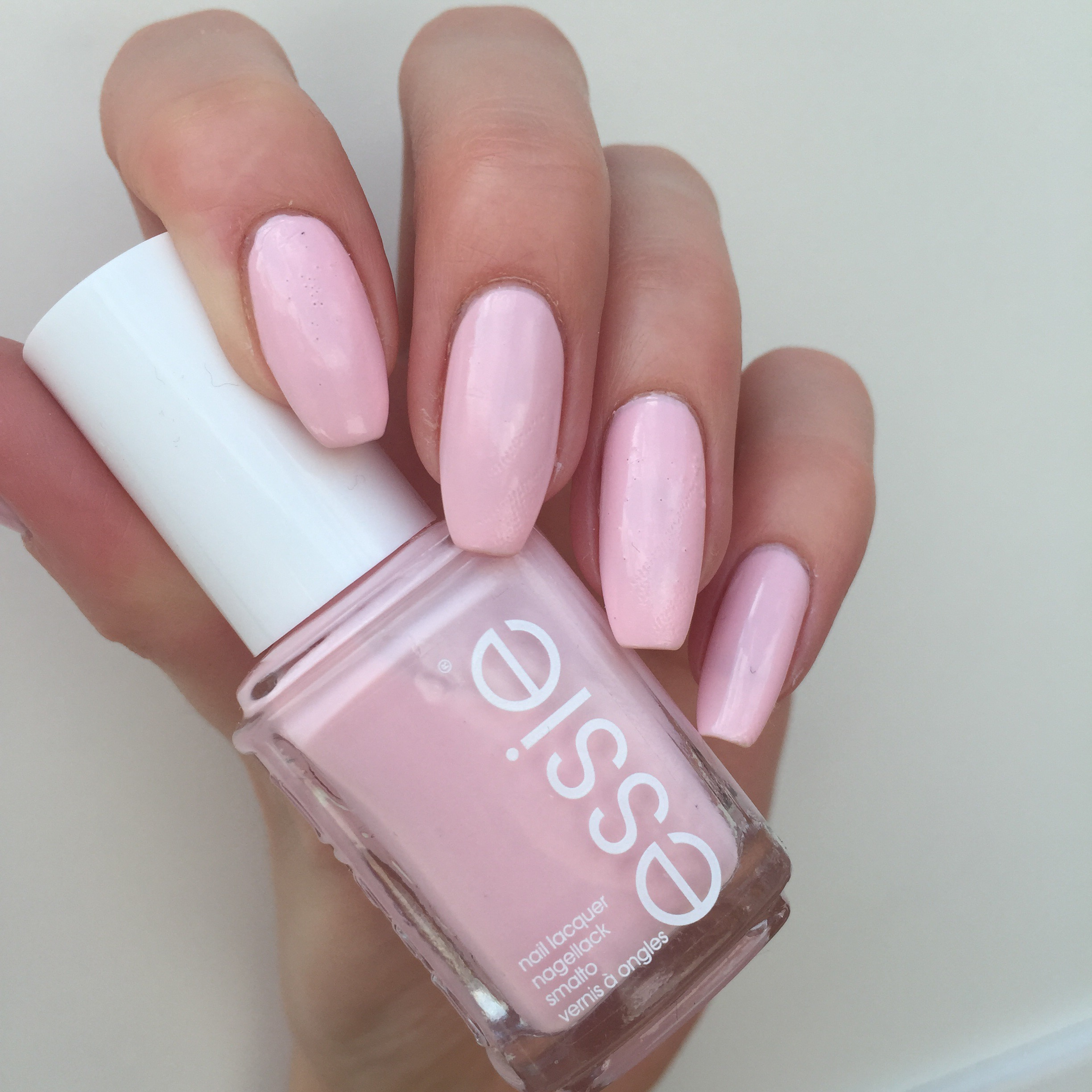 Essieneutrals Swatches And Reviews Of Essie Whites